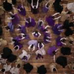 【悲報】MVであんだけエキストラにダンサー使うんならアンダー使えよ!!